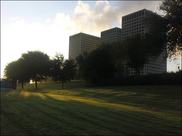 Zonsopkomst Marconiplein, Rotterdam