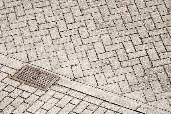 Stoeprand op straat