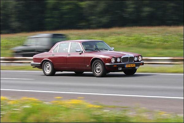 Jaguar Daimler Double Six Vanden Plas