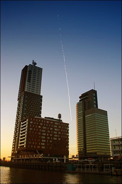 Contrails, Montevideo, World Port Center, Rotterdam
